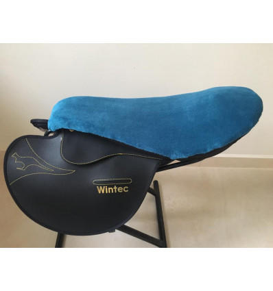 Cover for racing saddle