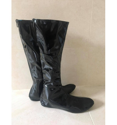 Light racing boots